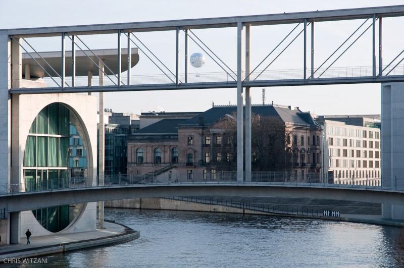_DSC4127_Berlin_Verbindungsbruecke_Parlament_Spree