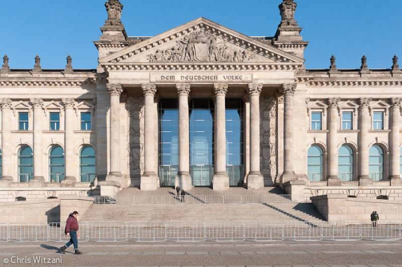 Reichstagsgebäude im Regierungsviertel #9601