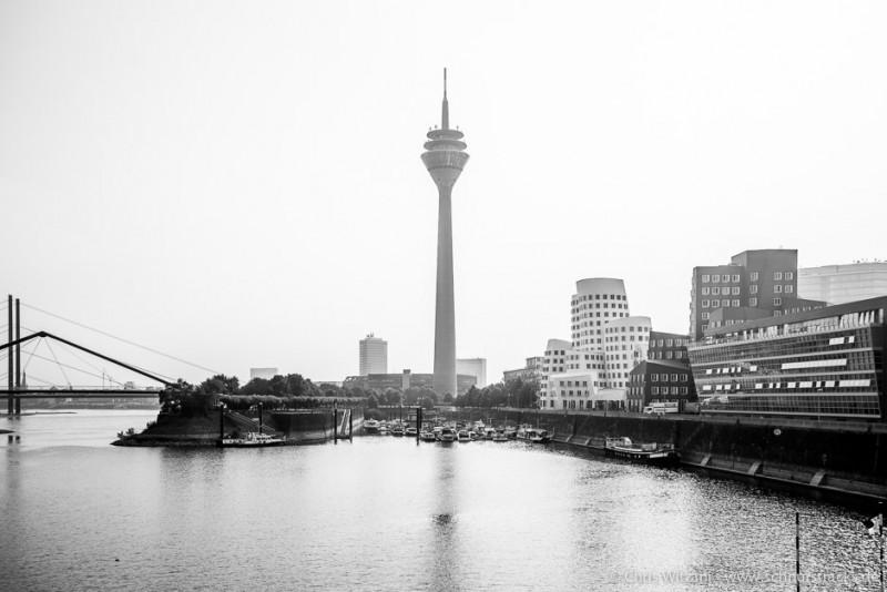 Medienhafen Düsseldorf - Rheinturm