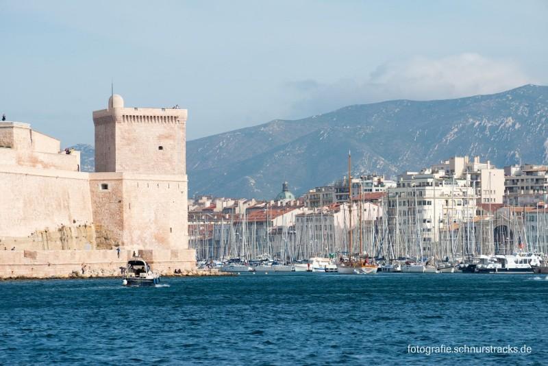 Einfahrt zum Alten Hafen in Marseille #1127