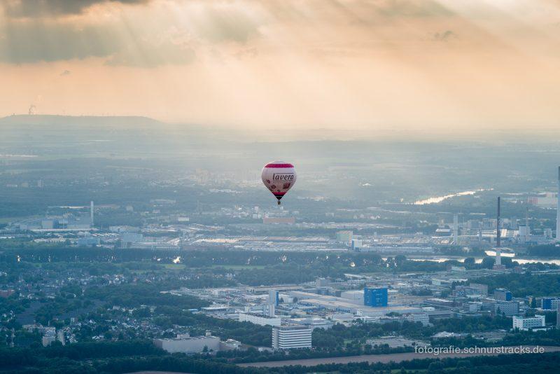 Heißluftballon über Leverkusen #8349
