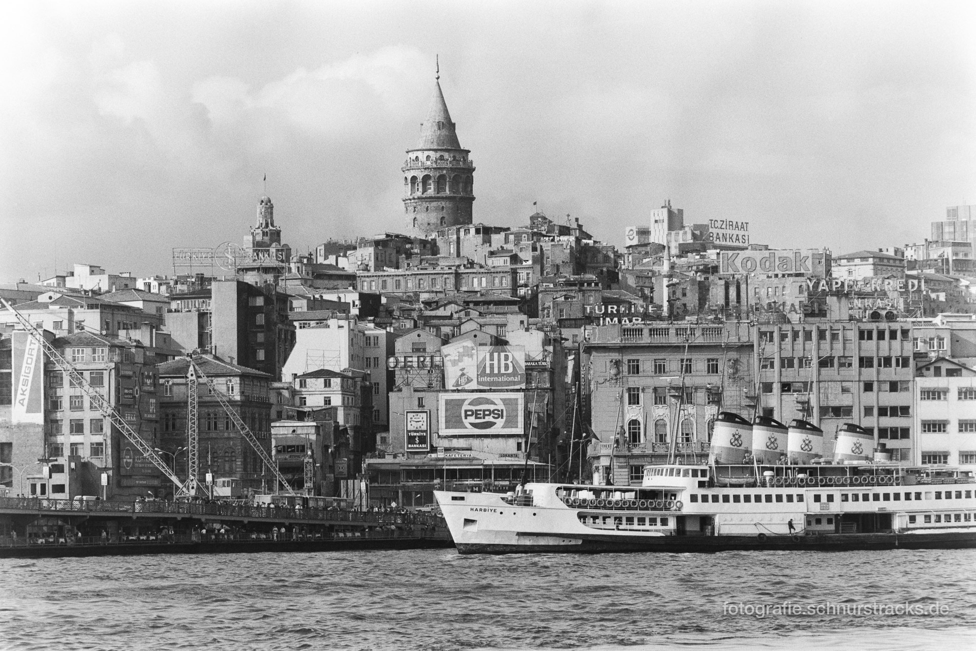 Bosporus und Galataturm – Istanbul 1987