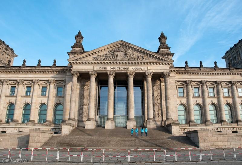 Absperrung vor Reichstagsgebäude _DSC4195_Berlin_Reichstag