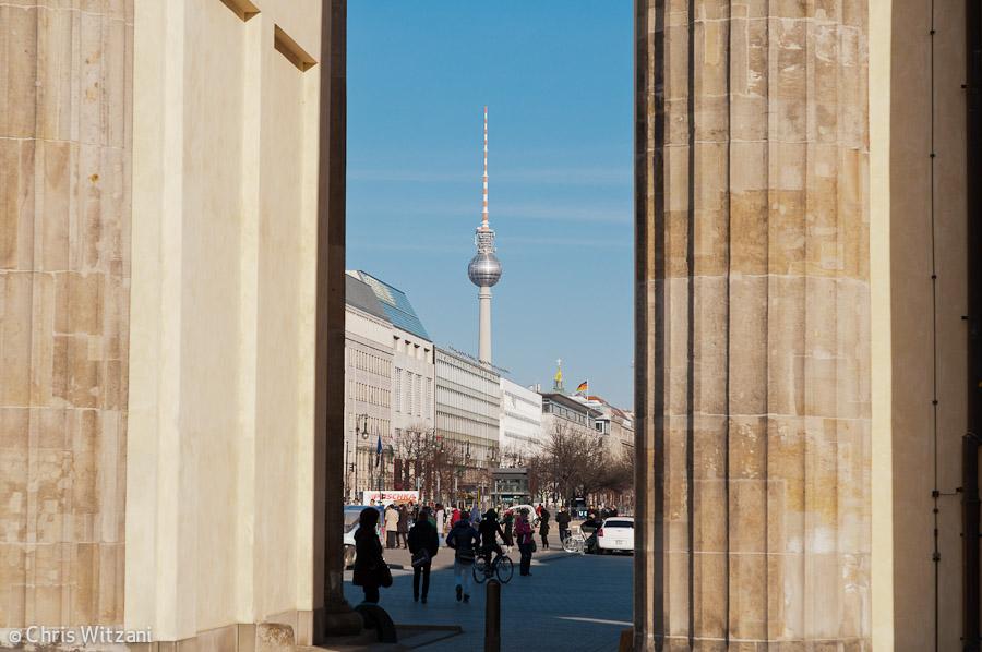 Brandenburger Tor und Fernsehturm Regierungsviertel #9582