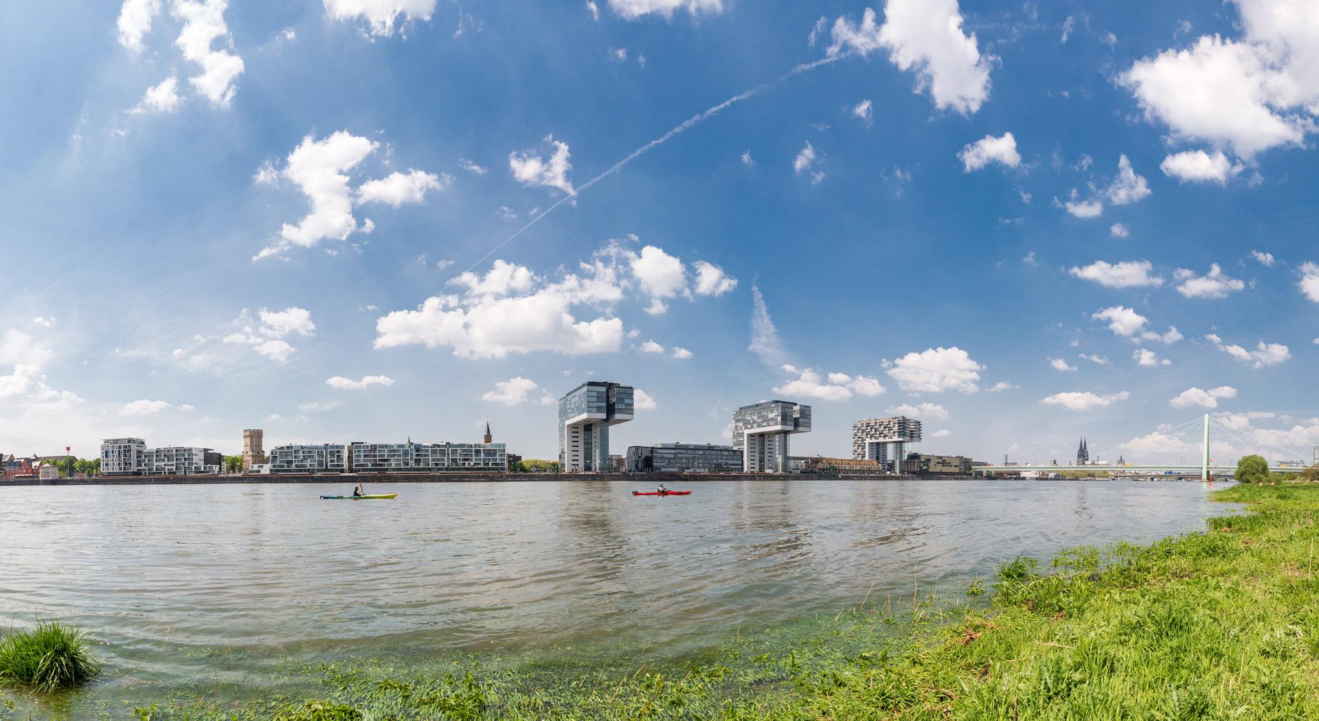 Rheinauhafen mit Kajaks