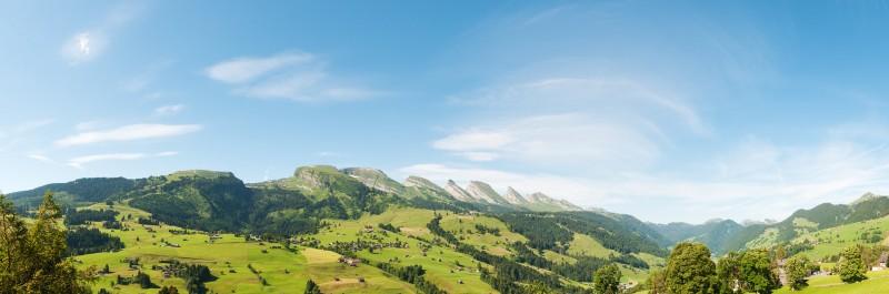 Panorama Churfirsten bei Wildhaus im Toggenburger Land