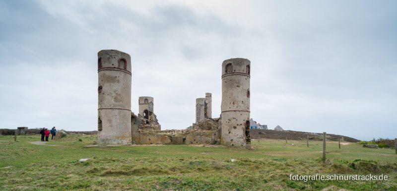 Ruine an der Anse de Pen Hat, Camaret-sur-Mer