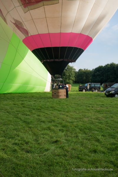 Heißluftballon wird vorbereitet