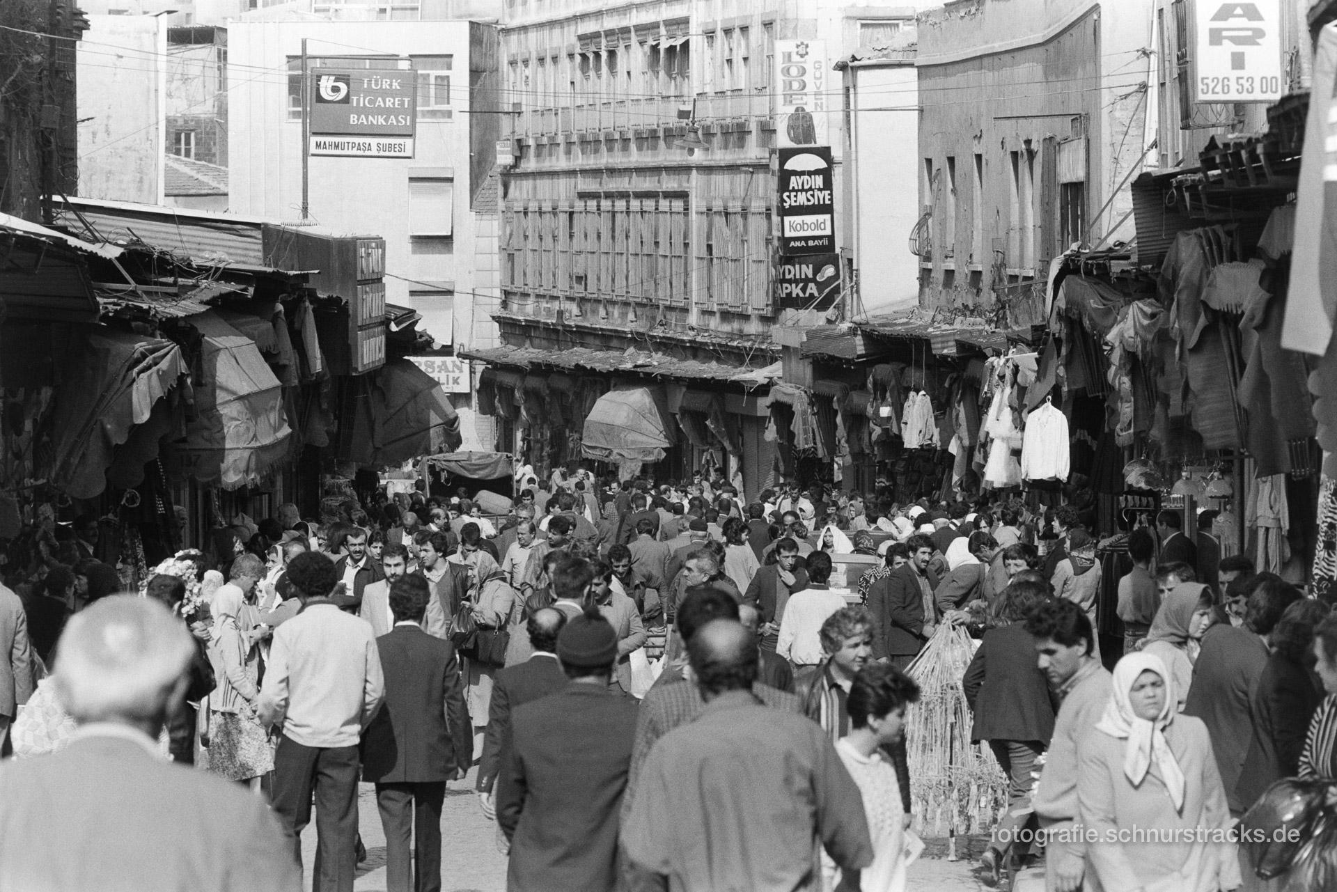 Strassenszene – Istanbul 1987