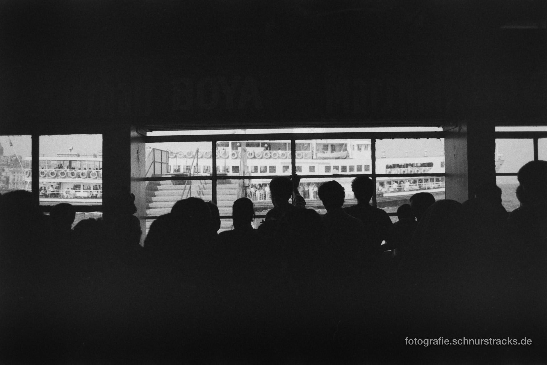 Ankunft der Bosporusfähre – Istanbul 1988