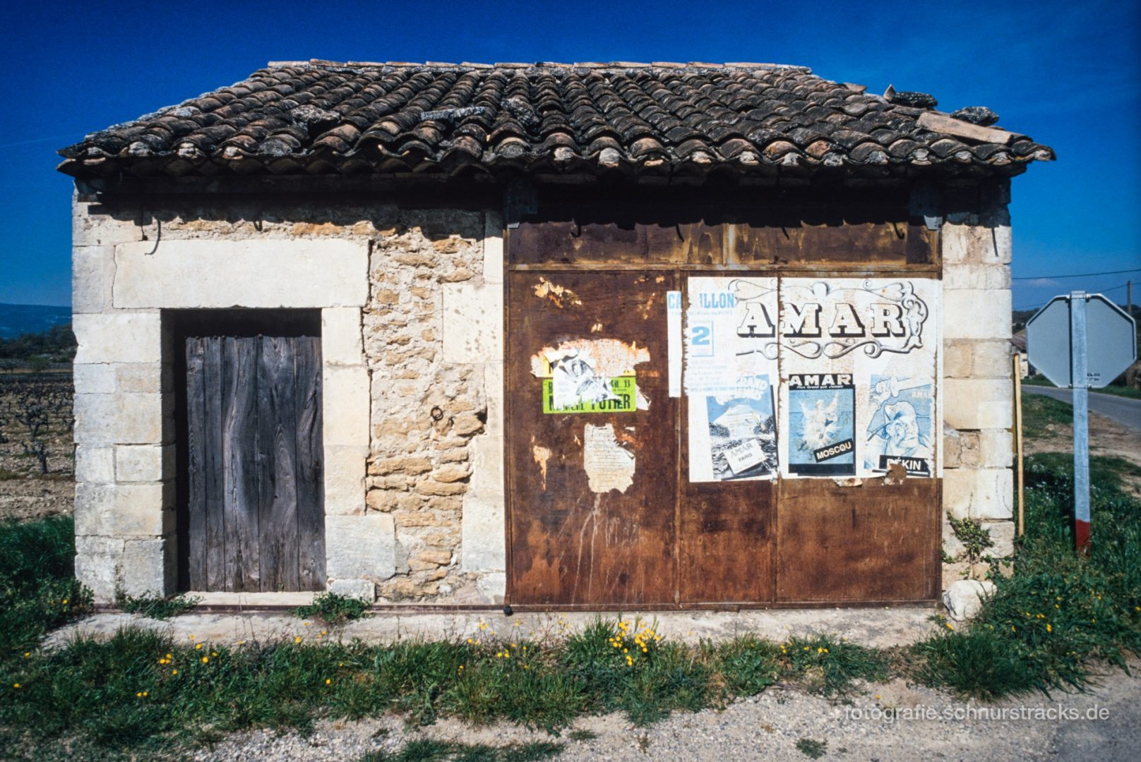 Hütte bei Roussillon - Provence #0661