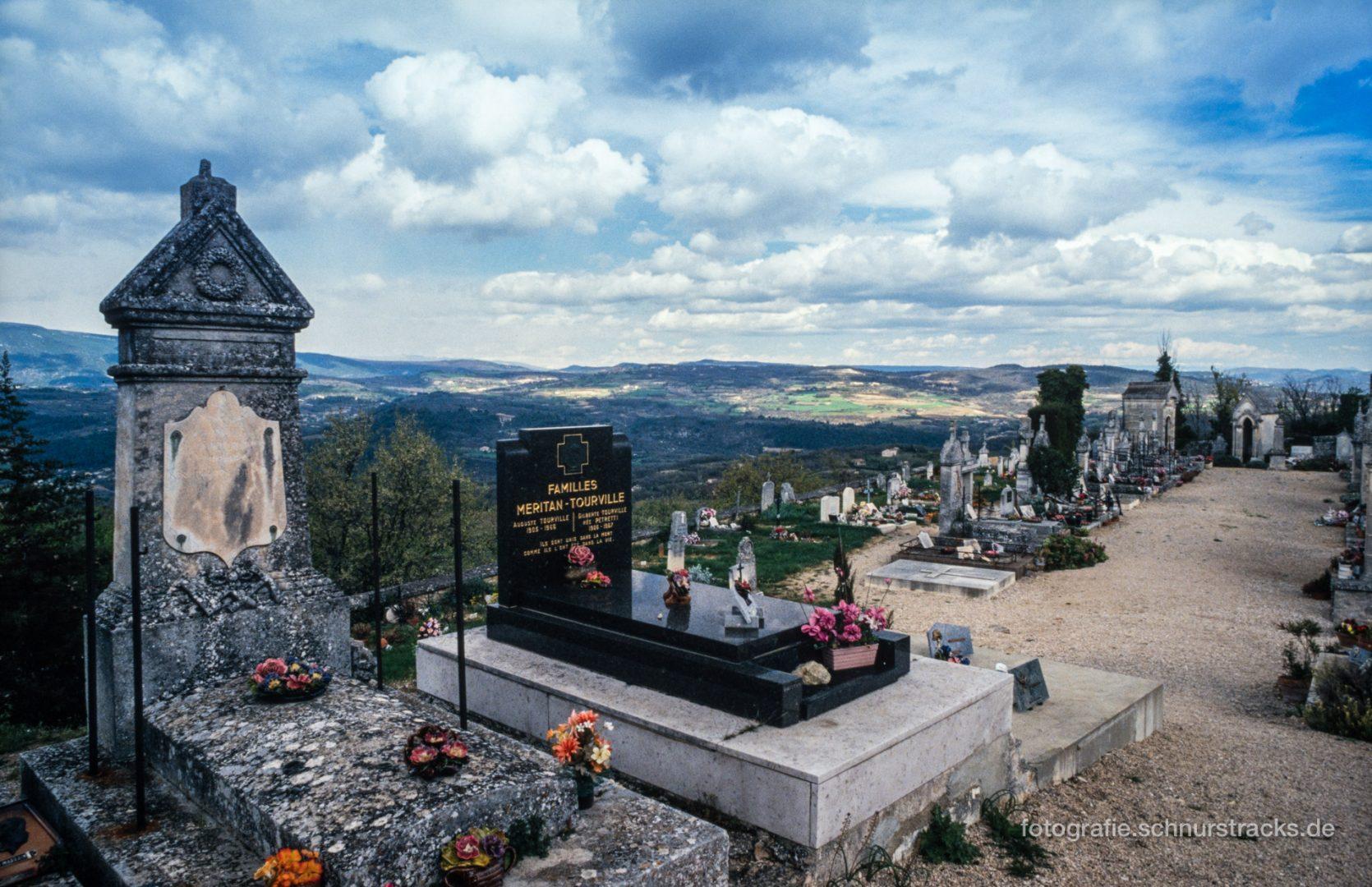 Friedhof Saignon #0758