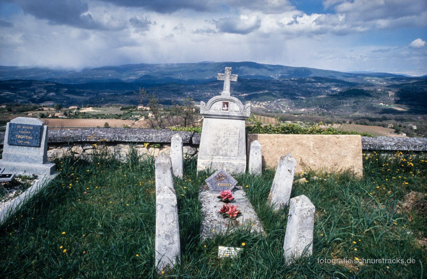Friedhof Saignon #0772