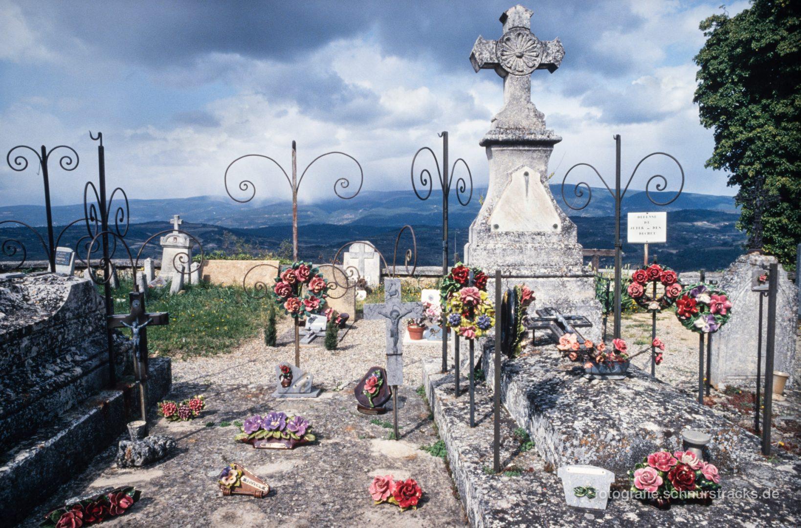 Friedhof Saignon #0774