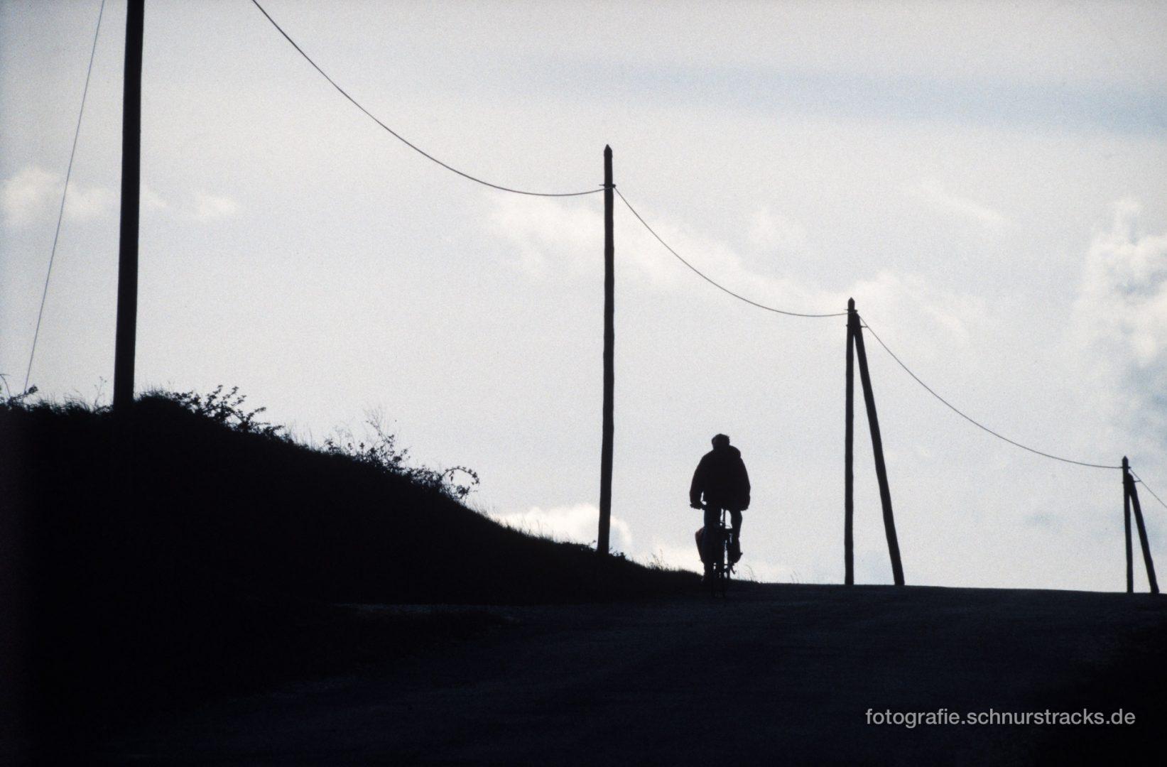 Radfahren im Luberon entlang der Telegrafenmasten #0805