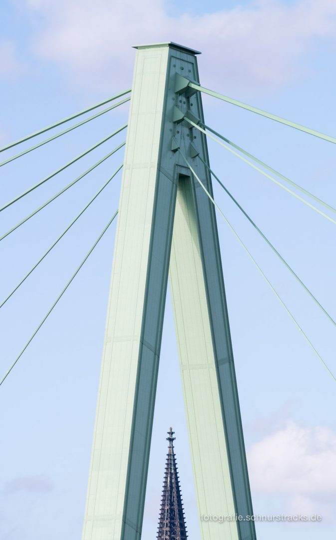 Kölner Domspite im Pylon der Severinsbrücke #0906