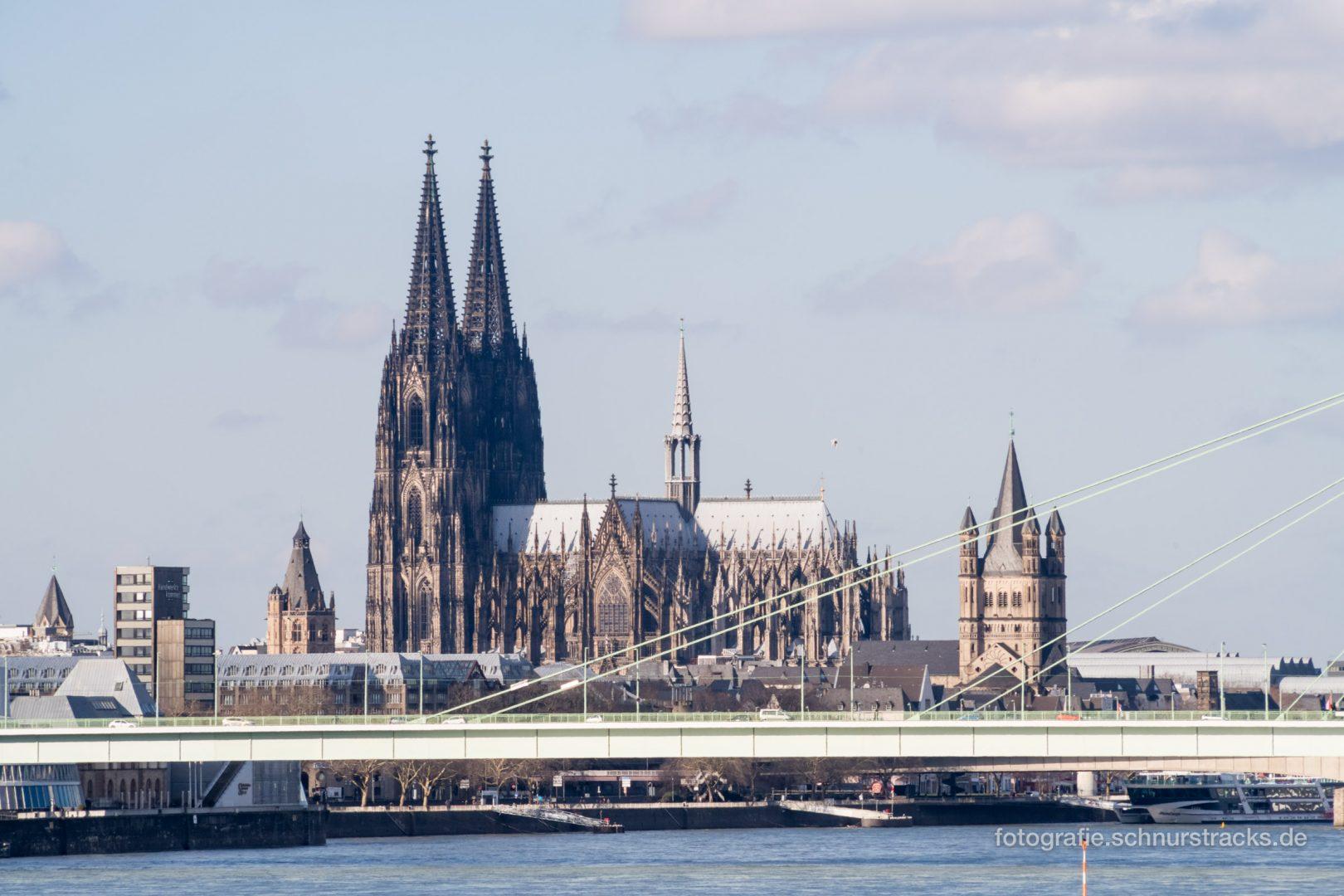 Kölner Dom mit Rathausturm und Groß St. Martin #0921