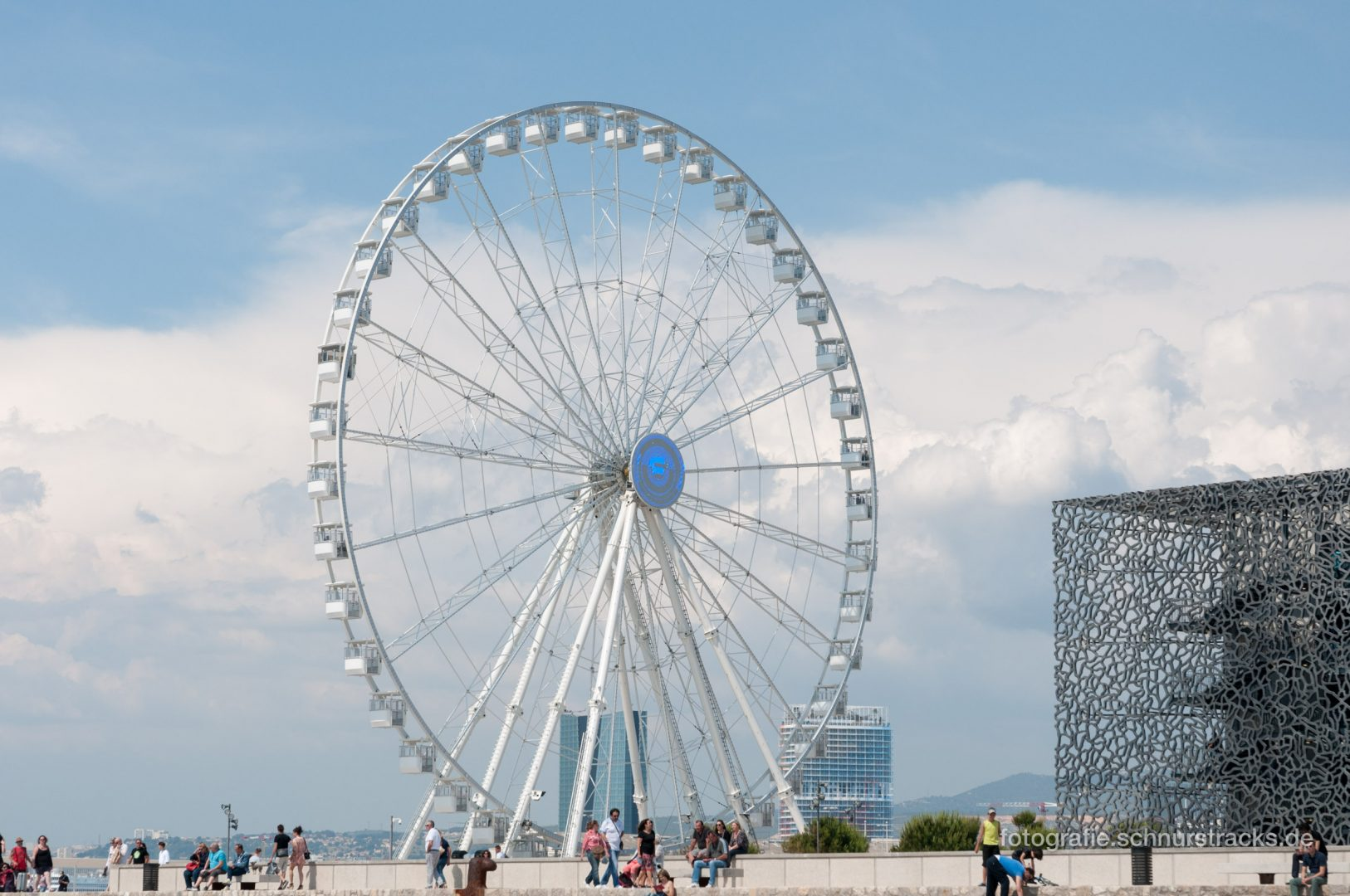 Riesenrad am MUCEM in Marseille #1172