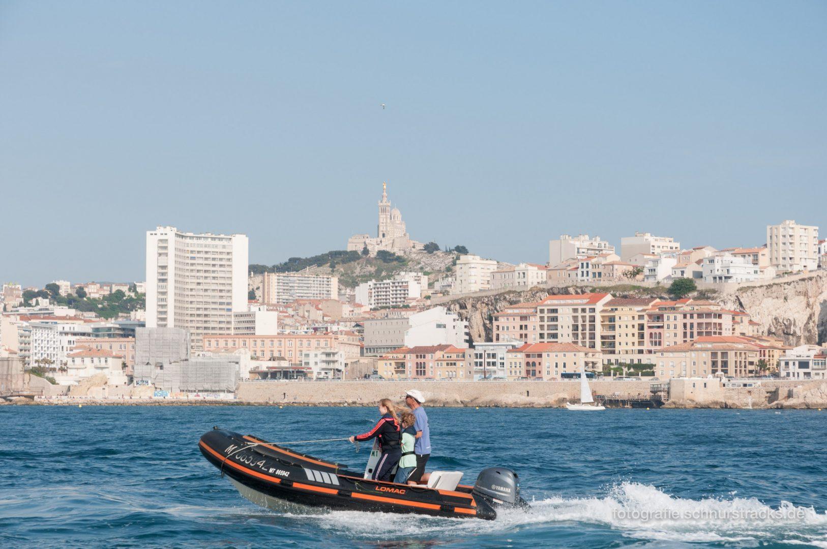Motorboot vor Marseille #1352