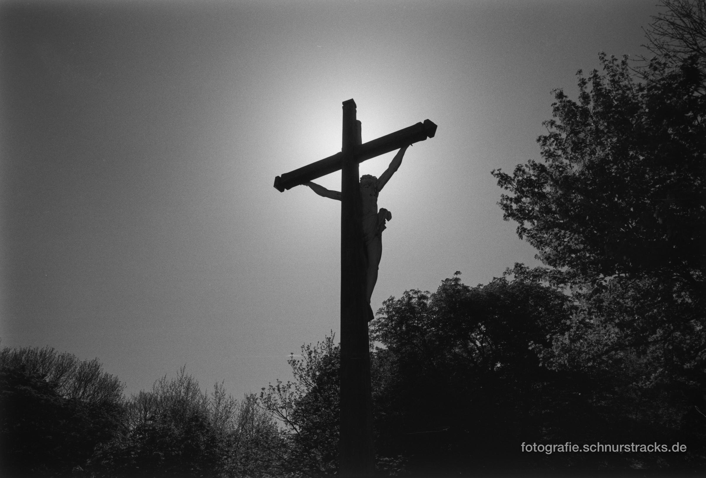 Kreuz über der Seinemündung