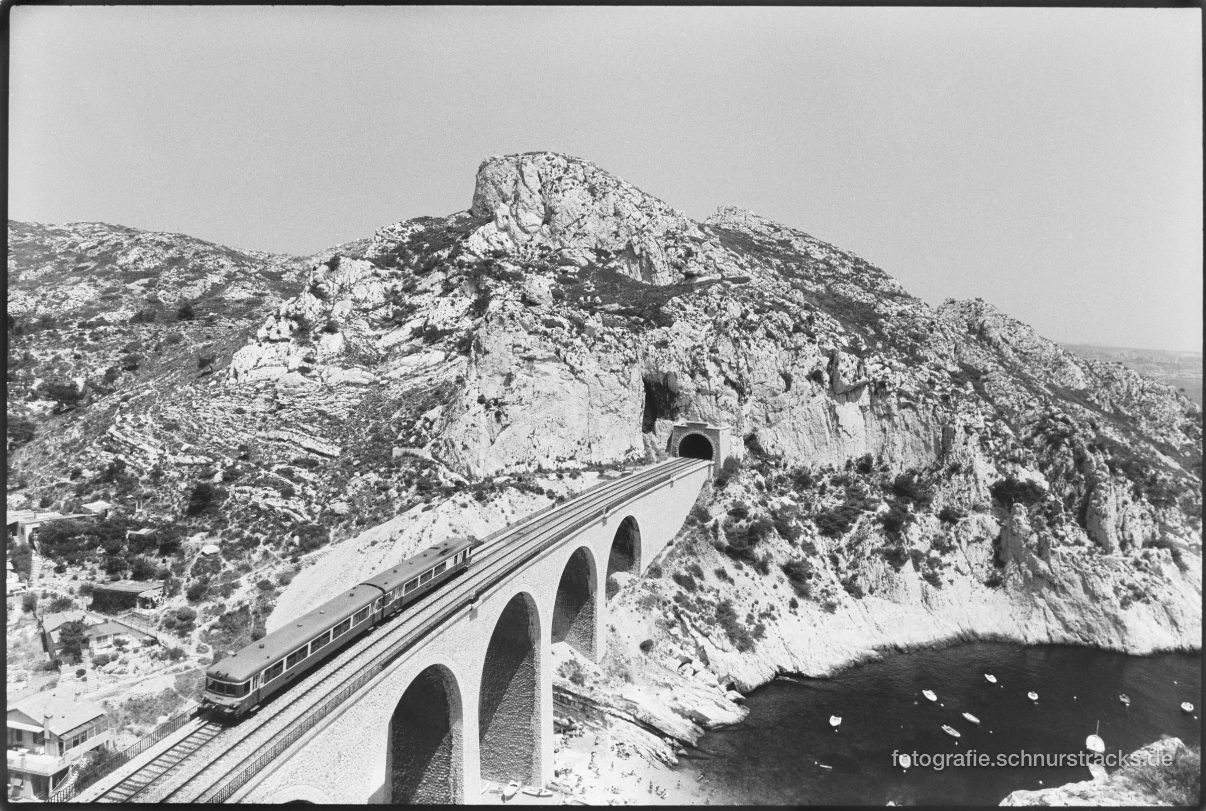 Viadukt bei Niolon