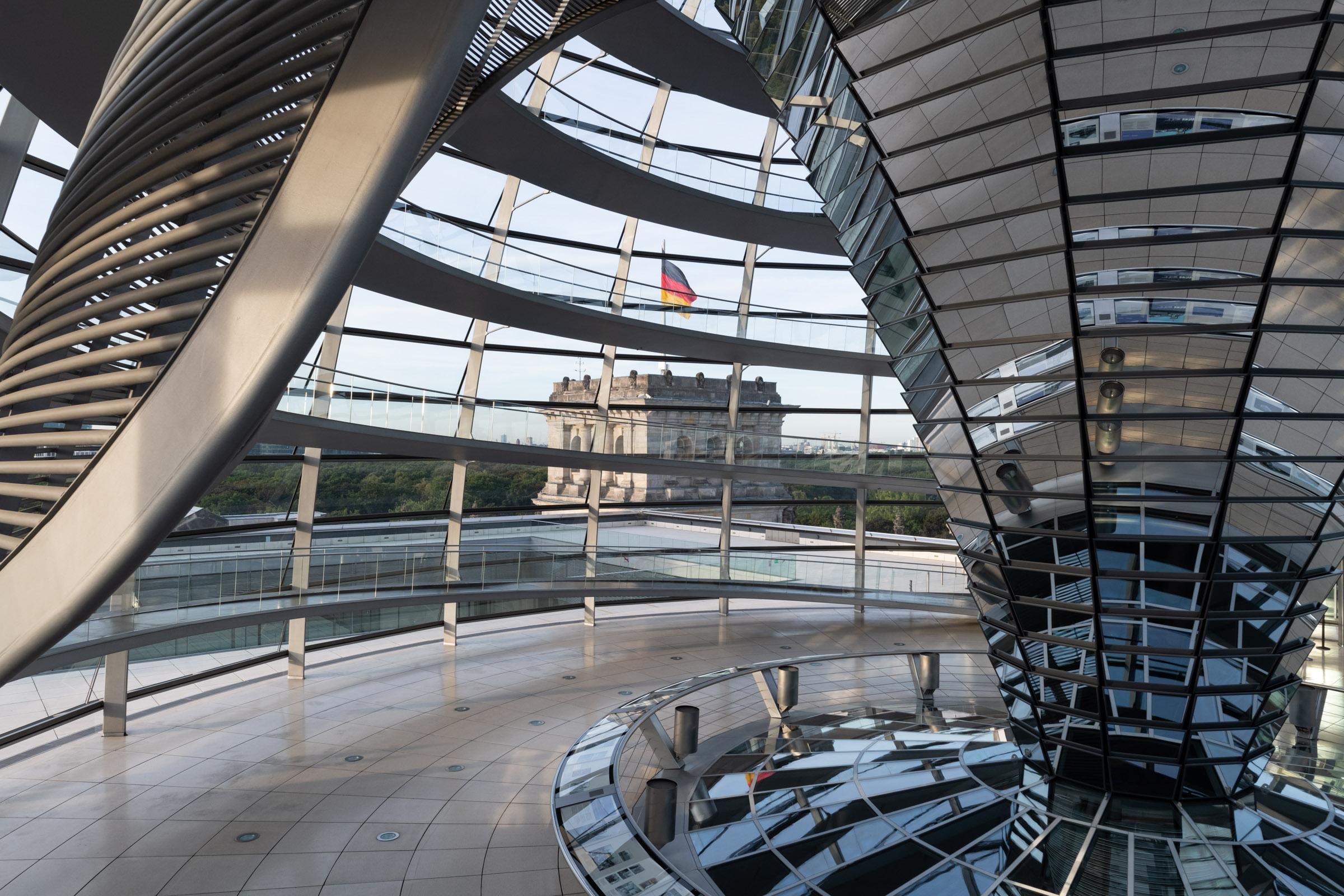 Reichstagskuppel Sonnenschutzelement